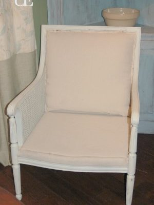 reupholstered chair tutorial and tips