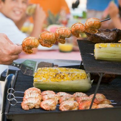 7 Tips for Hosting a Neighborhood BBQ