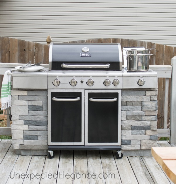 5 Amazing DIY Backyard BBQ Islands