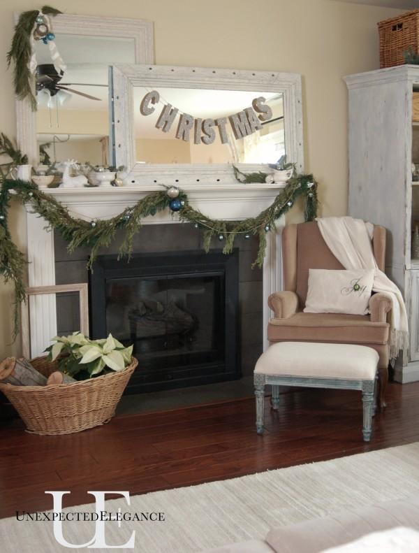 Living Room Christmas 2012-1
