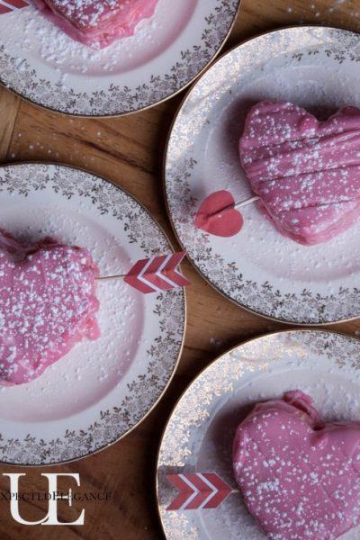 Mini Heart Cakes & Free Arrow Printable Download