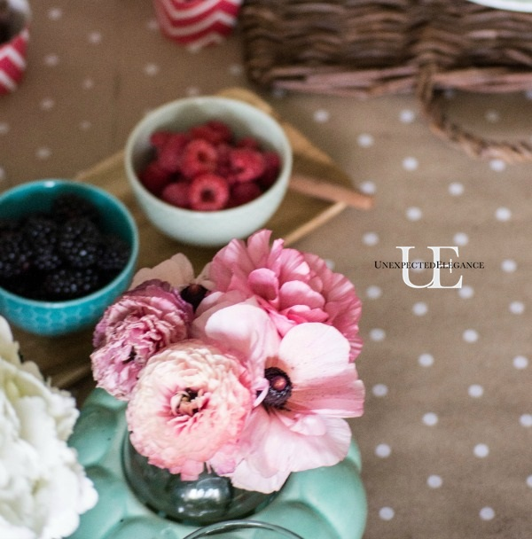 Spring Dining Room Tablescape-1-24