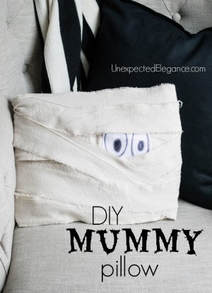 DIY Mummy Pillow Perfect for Halloween-1-4