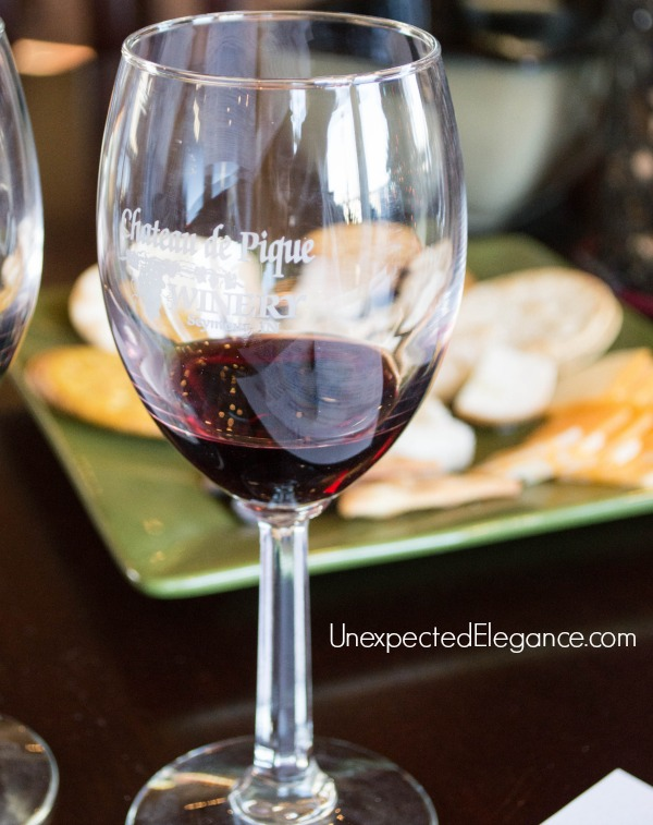 This year give your loved ones an experience they will remember. For the wine lovers give them a wine tasting gift package with this quick tutorial!