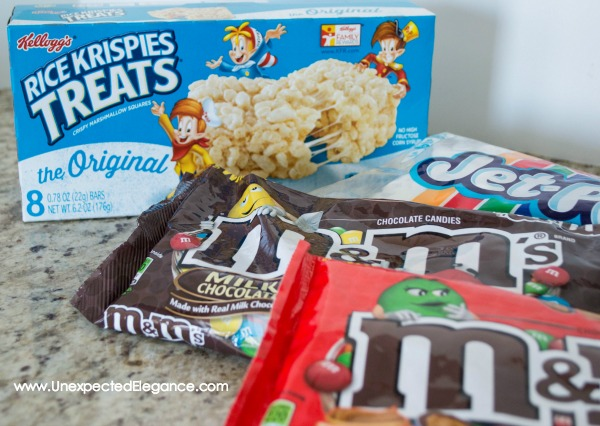 Want some easy entertaining ideas?? Check out this fun TREAT BAR for your next party or get-together.