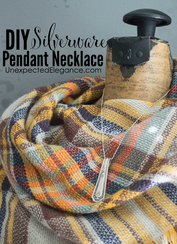 Gift giving season will be here before we know it!!  Do you love giving people gifts that have sentimental value or are handmade?  Check out this simple DIY silverware pendant necklace tutorial!