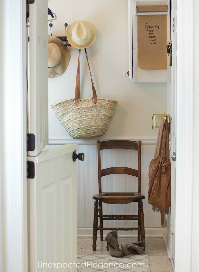 mudroom-easy-organization-1a copy