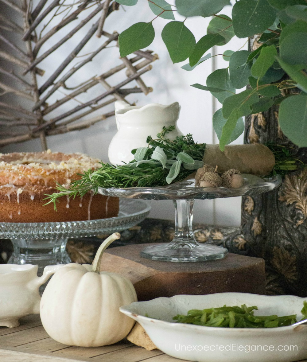 Tips for creating a beautiful Thanksgiving buffet without spending any money.