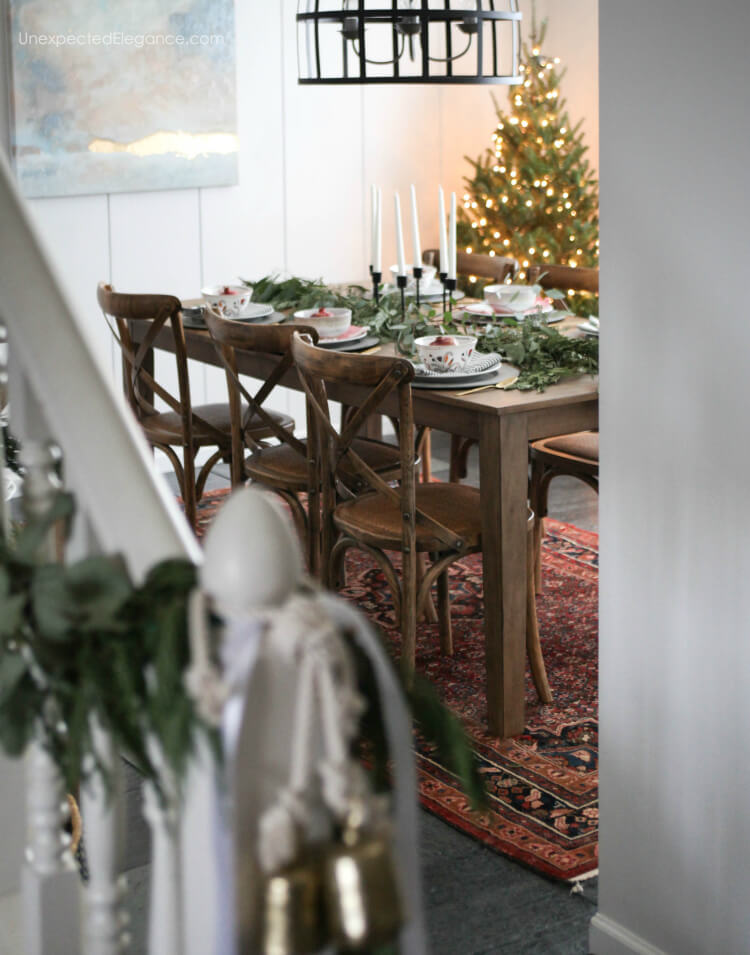Find some creative and easy ways to make your Christmas table special. #ChristmasTable #Chrismtasdecor
