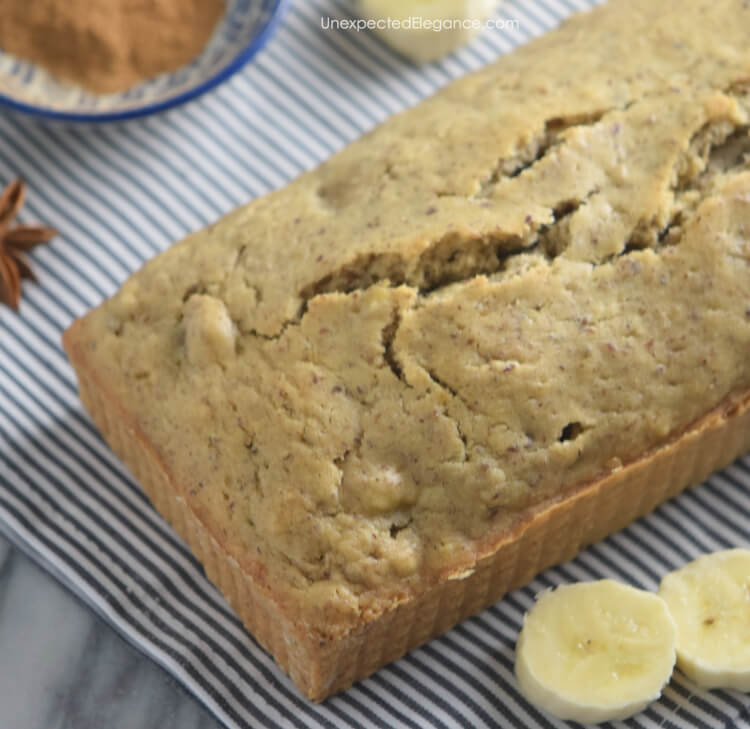 Banana bread recipe that is freezer friendly and can be make in advance!