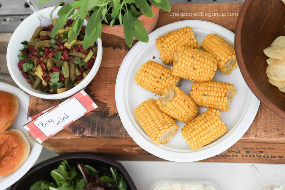 Fun and EASY tips for hosting a summer BBQ!