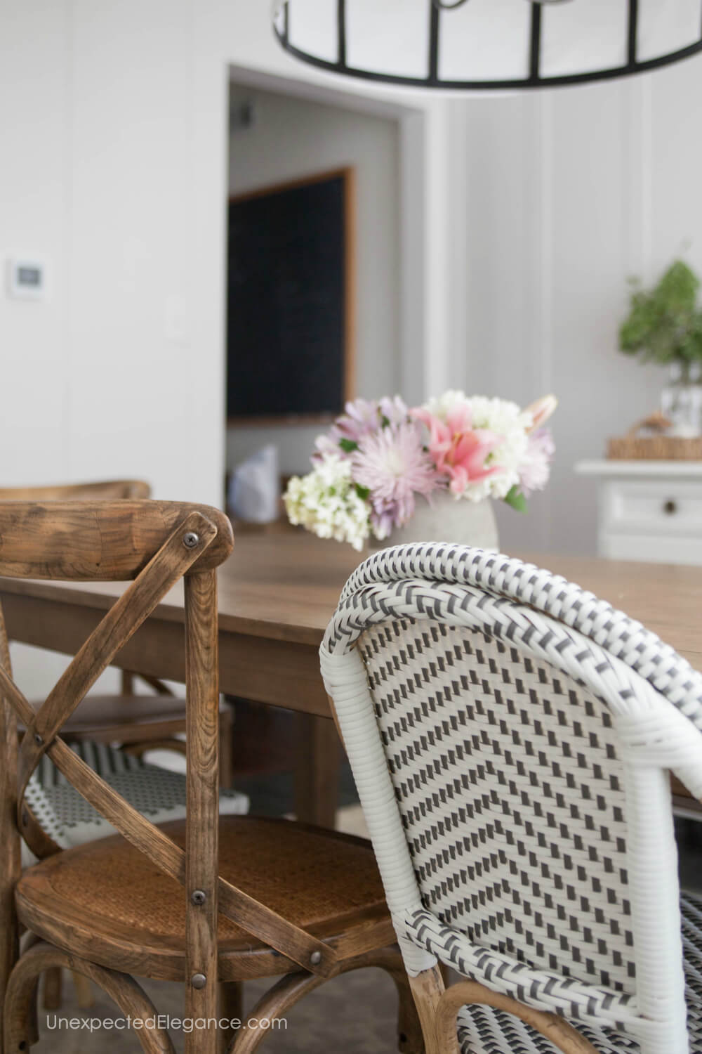 Are you ready to makeover over your dining room? Get inspiration HERE!