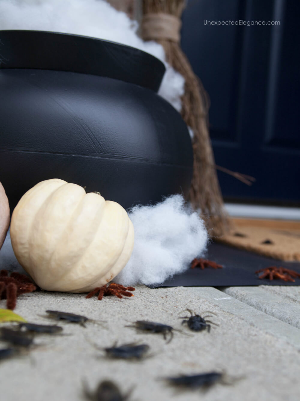 Smoky cauldron tutorial for Halloween!
