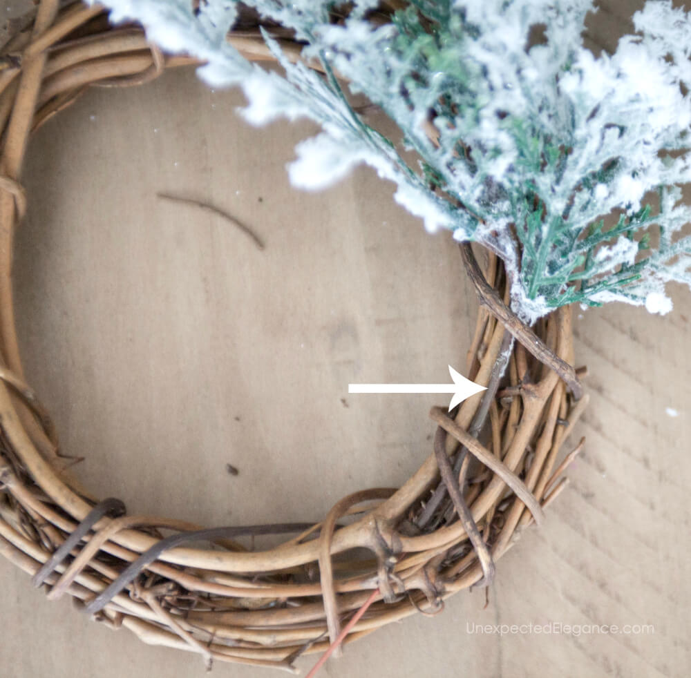 How to create your own mini wreaths!