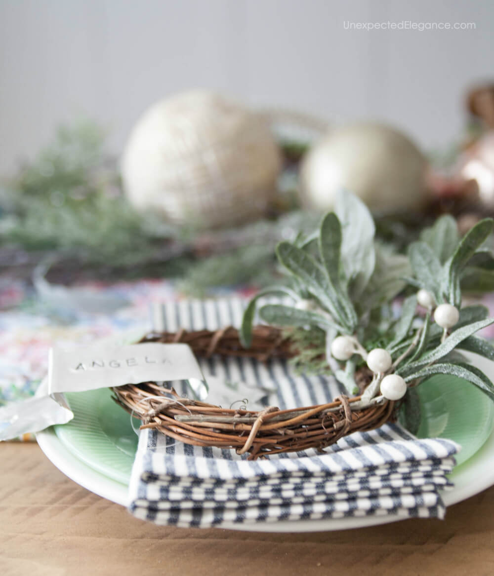 Want to change it up a little this year?  Check out this holiday tablescape using non-traditional colors for a different color scheme this year!